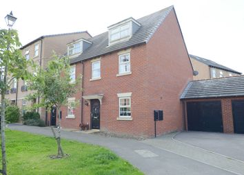 Thumbnail 3 bedroom town house for sale in Stockwell Avenue, Kiveton Park, Sheffield