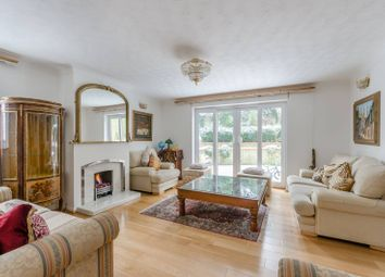 Thumbnail 4 bed property to rent in Kingswood Drive, Sydenham Hill