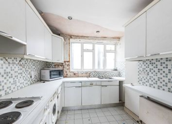 Thumbnail 3 bed flat for sale in Buckingham Palace Road, St James's Park