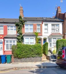 Squires Lane, Finchley, London N3. 3 bed terraced house