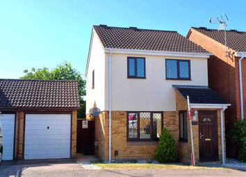 Thumbnail 3 bed detached house for sale in Willowdene, Cheshunt, Waltham Cross