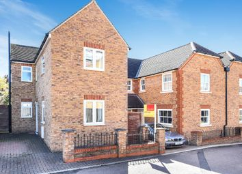 Thumbnail 2 bed detached house for sale in Hemel Hempstead, Hertfordshire