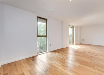 Thumbnail 2 bedroom flat to rent in Pitfield Street, London
