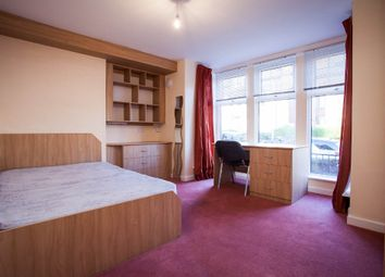 Thumbnail 3 bed flat to rent in Headingley Mount, Leeds
