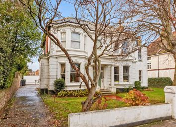2 bed flat for sale in Richmond Road, Worthing BN11