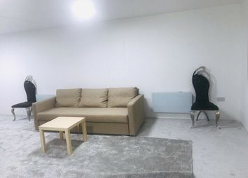 Thumbnail Studio to rent in Currey Road, Greenford