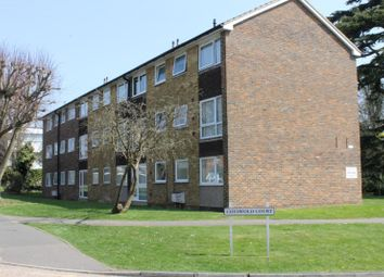Thumbnail 2 bed flat to rent in Cotswold Court, Horsham