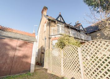 Thumbnail 2 bed flat to rent in Slough Road, Datchet, Slough
