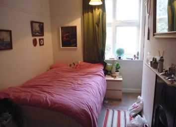 Thumbnail 3 bed flat to rent in North Grange Mount, Headingley