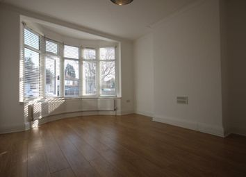Thumbnail Room to rent in Hall Lane, London