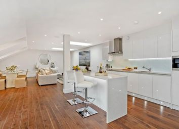 3 bed maisonette to rent in Hob Mews, 35 Tadema Road, Chelsea, London SW10