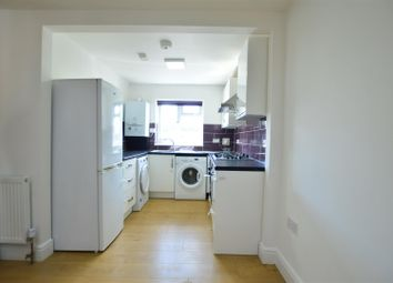 Thumbnail 2 bed flat to rent in Meadfield Road, Langley, Slough