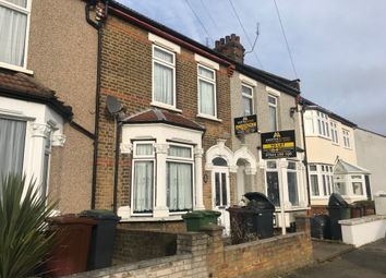 Thumbnail 5 bed terraced house to rent in Whalebone Grove, Romford