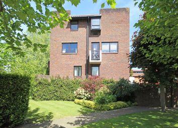 Thumbnail 2 bedroom flat for sale in Mallard Place, Twickenham