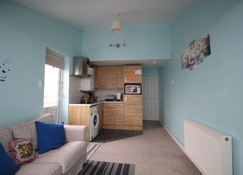 Thumbnail 2 bedroom flat for sale in Southcliff Road, Southampton