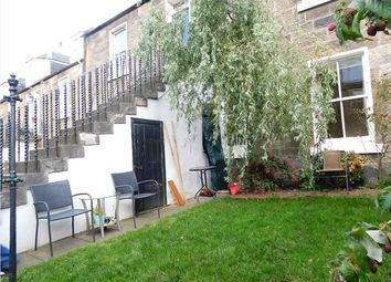 Thumbnail 3 bed flat to rent in Waverley Place, Edinburgh