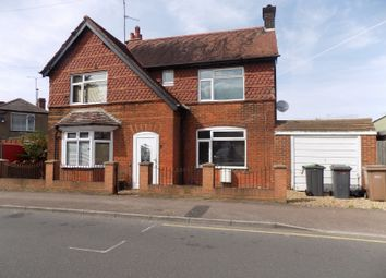 Thumbnail 3 bed detached house to rent in Compton Avenue, Luton, Bedfordshire