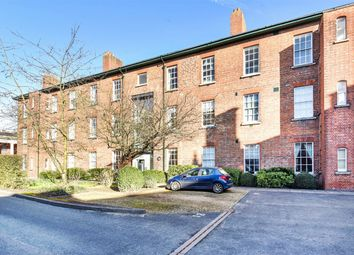 2 bed flat for sale in Mons Court, Winchester SO23