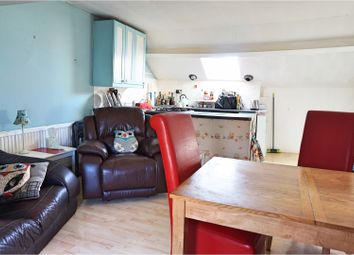 Thumbnail 2 bed flat for sale in Cricklade Road, Swindon