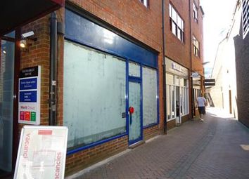 Thumbnail Retail premises to let in 1 Potters Walk, Basingstoke, Hampshire
