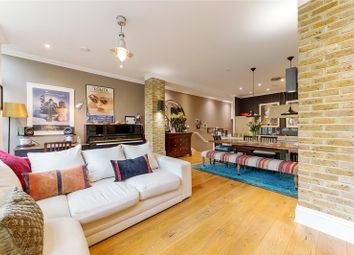 Abney Mews, 22A Bouverie Road, London N16. 2 bed flat for sale
