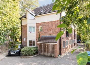 St Lukes Road, Whyteleafe CR3. 2 bed flat