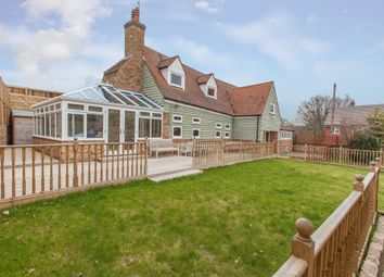 Thumbnail 4 bed barn conversion to rent in Bragbury Lane, Stevenage