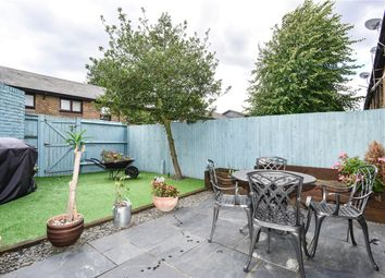 2 bed maisonette for sale in Manaton Close, Nunhead, London SE15