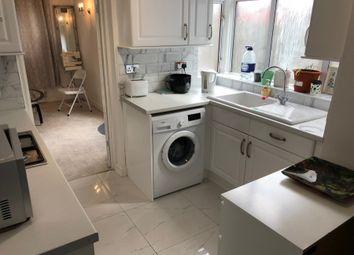 Thumbnail 3 bedroom flat to rent in Hart Lane, Luton