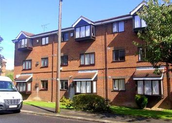 Thumbnail 2 bed flat to rent in Hadrian Court, Hadley Road, New Barnet