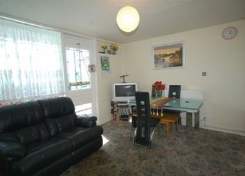 Thumbnail 3 bedroom flat to rent in Newington Butts, London