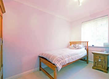 Thumbnail Flat to rent in Craigmount, Radlett