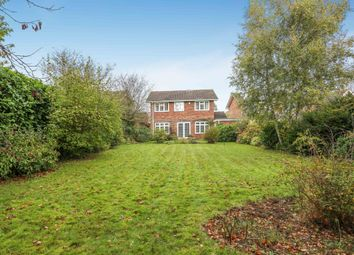 Thumbnail 5 bedroom detached house to rent in Grove Wood Hill, Coulsdon