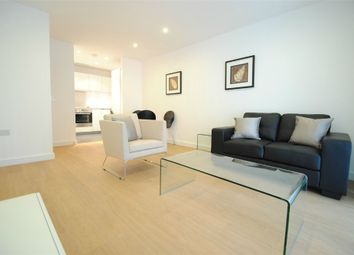 Thumbnail 1 bedroom flat to rent in 4 Saffron Central Square, Croydon, Surrey