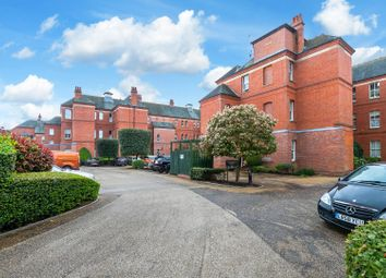 Rosebury Square, Repton Park, Woodford Green IG8. 3 bed flat for sale