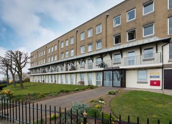 Wellington Crescent, Ramsgate CT11. 1 bed flat
