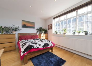 Thumbnail 4 bed flat to rent in Camden Road, London