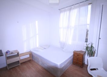 Thumbnail 3 bed flat to rent in Somerfield Road, Finsbury Park