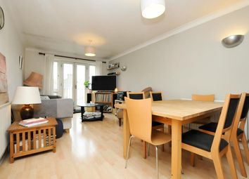 Thumbnail 2 bed flat for sale in Clissold Road, London