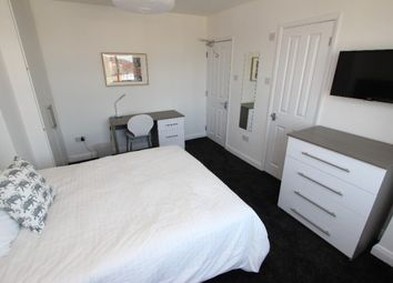 Thumbnail Room to rent in Delamere Road - Room 3, Reading