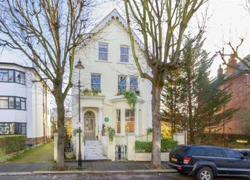 Thumbnail 1 bedroom flat to rent in Avenue Crescent, London