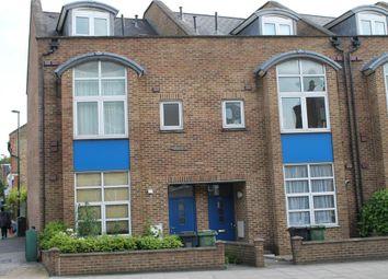 Thumbnail Studio to rent in Lee High Road, Lee, London