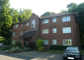 Thumbnail 2 bed flat to rent in Tilebarn Close, Henley-On-Thames