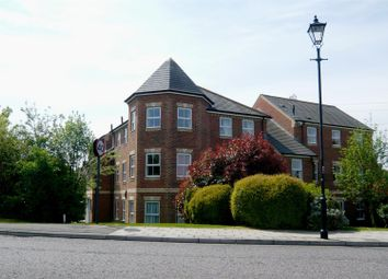 Thumbnail 3 bedroom flat for sale in Queensgate, Aylesbury