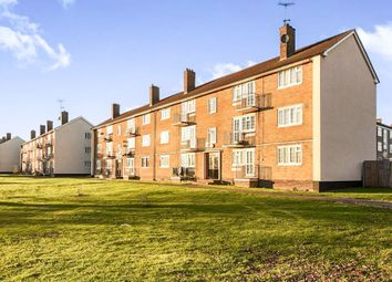 Thumbnail 2 bedroom flat for sale in Longfield Crescent, Tadworth
