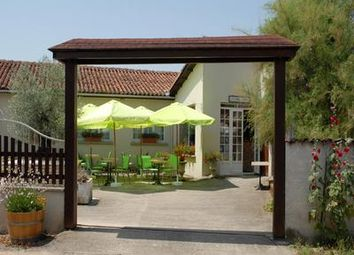 Thumbnail Pub/bar for sale in Mérignac, France