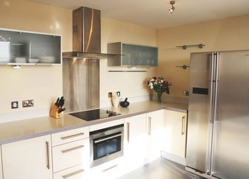 Thumbnail 1 bed flat to rent in South Fifth Street, Milton Keynes