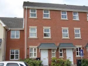 Thumbnail 4 bed semi-detached house to rent in Wainwright Avenue, Leicester