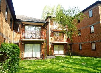 Thumbnail 2 bed flat to rent in Mallard House, Millstream, High Wycombe