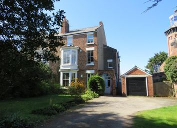 Thumbnail 2 bedroom flat to rent in Valentia Road, Hoylake, Wirral